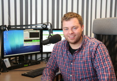 KUN NRK ER STØRRE: Lokalradioene står sterkt i Innlandet. Bjørn-Martin Brandett er daglig leder hos Lokalradioene i Innlandet AS, og tror på fremtiden for den nære radioen.