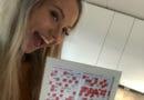 STOR GLEDE: Lite visste Christiane Lund (22) at dette skulle bli den store vinnerblokka da hun kjøpte den. Med bingo på lykketallet innkasserte hun 100.400 kroner forrige uke. Vinnerblokka har hun rammet inn.